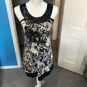 Dresses & Skirts - Black & White Floral Dress!! 🖤✨